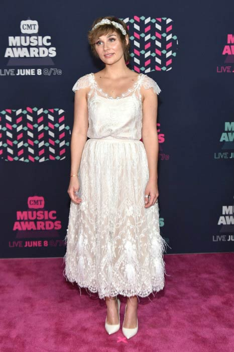 Clare Bowen at the CMT Music Awards 2016