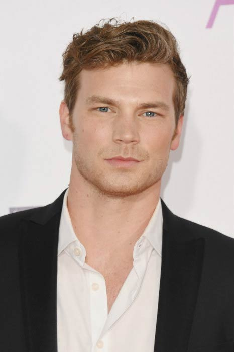 Derek Theler at the People's Choice Awards in January 2017