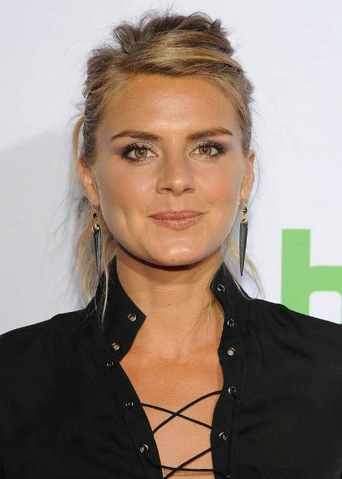 Eliza Coupe at the 'The Mindy Project' Season Four premiere in September 2015