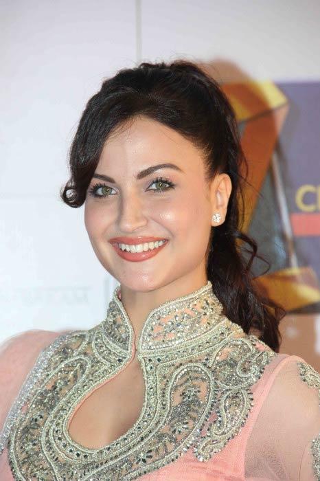 Elli Avram at the Zee Cine Awards in Mumbai in February 2014