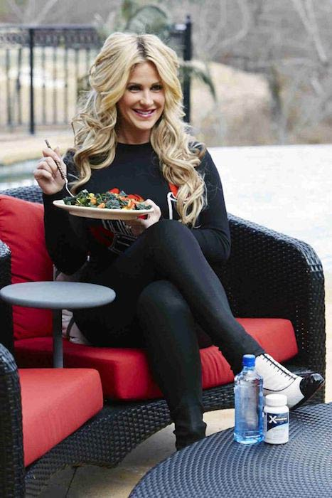 Kim Zolciak having healthy salad