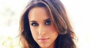 Lacey Chabert - Featured Image