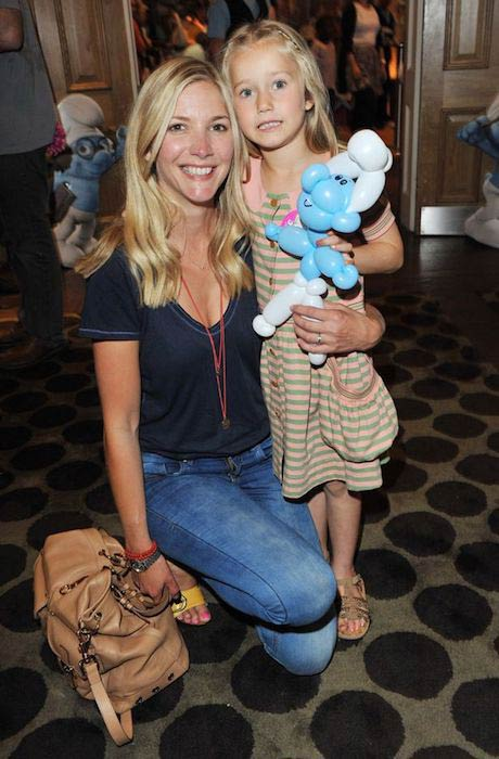 Lisa Faulkner at The Smurfs premiere with daughter