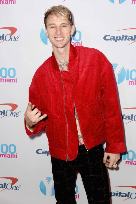 Machine Gun Kelly at the Y100's Jingle Ball 2016 event