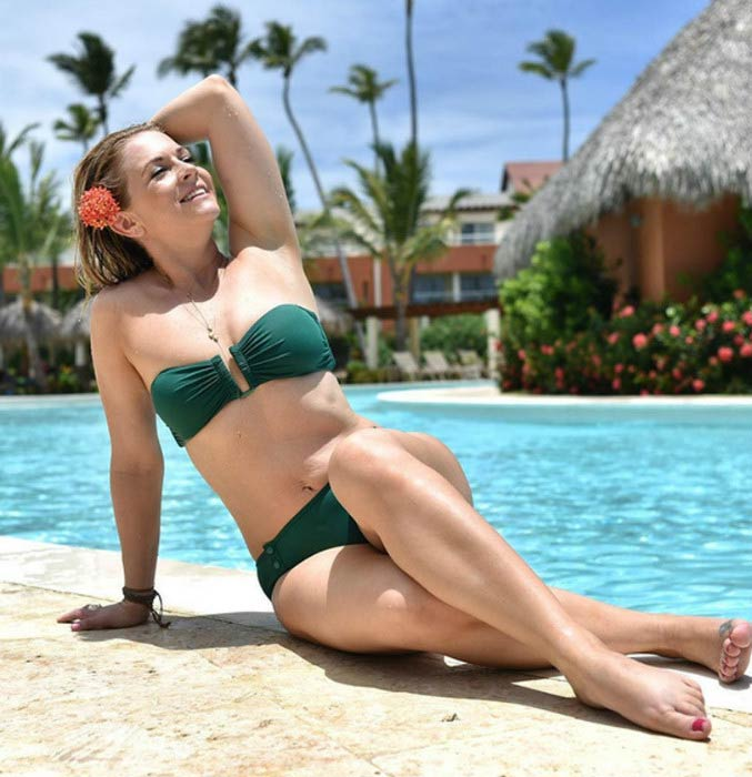 Melissa Hart in a bikini photoshoot to celebrate her weight loss