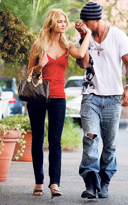 Shemar Moore and Lauriane Gilliéron during an outing in 2007