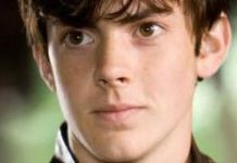 Skandar Keynes - Featured Image