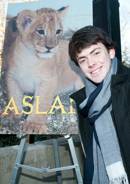 Skandar Keynes at the Smithsonian's National Zoo Lion Cub naming ceremony in December 2010
