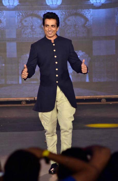 Sonu Sood walks the ramp at the fashion event in 2015