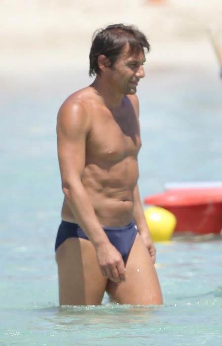Antonio Conte shirtless body
