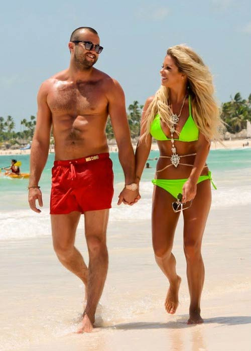 Bianca Gascoigne and CJ Meeks on the Caribbean beach in August 2016