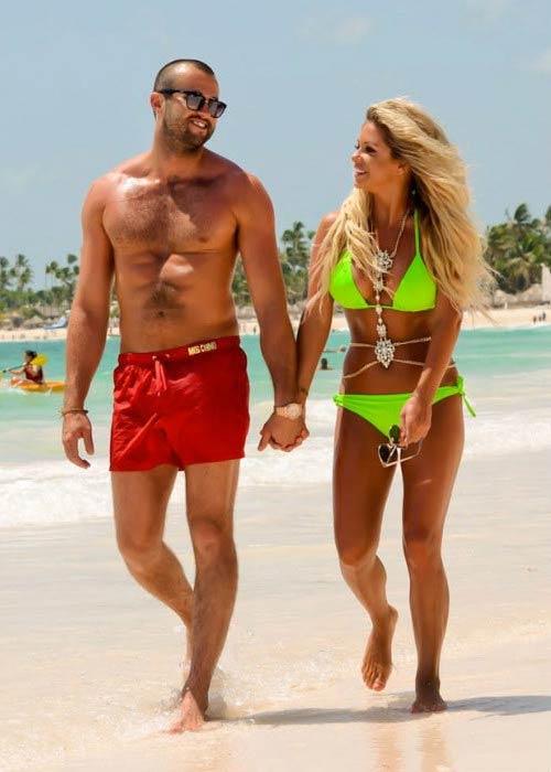 Bianca Gascoigne and CJ Meeks on the Caribbean beach in August 2016