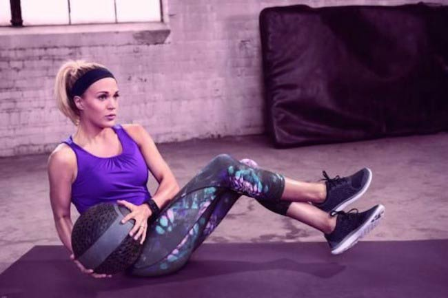 Carrie Underwood core workout