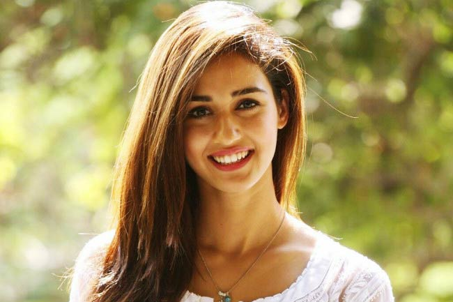 Disha Patani 2015: Disha Patani Height Weight Body Statistics