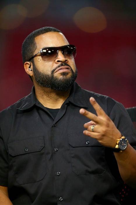 Ice Cube at the NFL match between St. Louis Rams and the Tampa Bay Buccaneers in December 2015