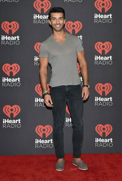 Justin Baldoni at the 2016 iHeartRadio Music Festival