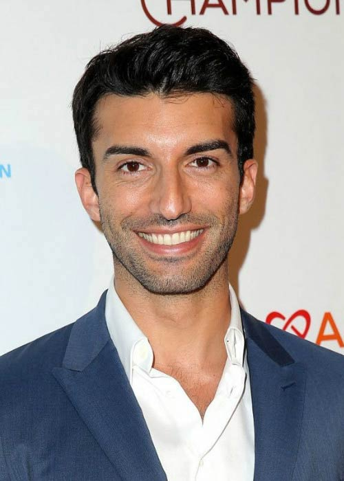 Justin Baldoni at the CoachArt Gala of Champions in October 2015