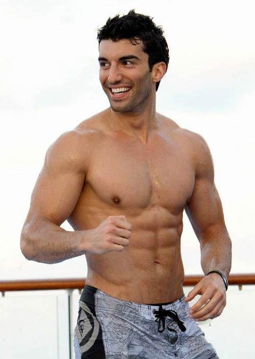 Justin Baldoni shirtless body