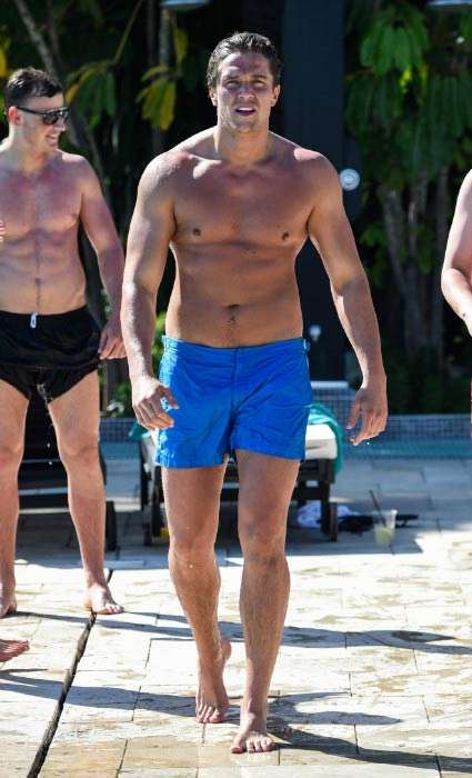 Lewis Bloor shirtless at the pool in Marbella