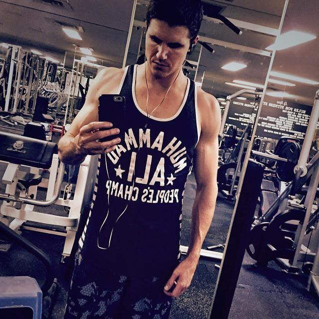 Robbie Amell in the gym