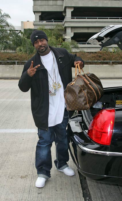 Young Buck arriving at LAX airport in Los Angeles in February 2008