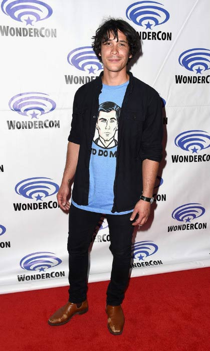 Bob Morley at The 100 Panel at WonderCon in March 2016