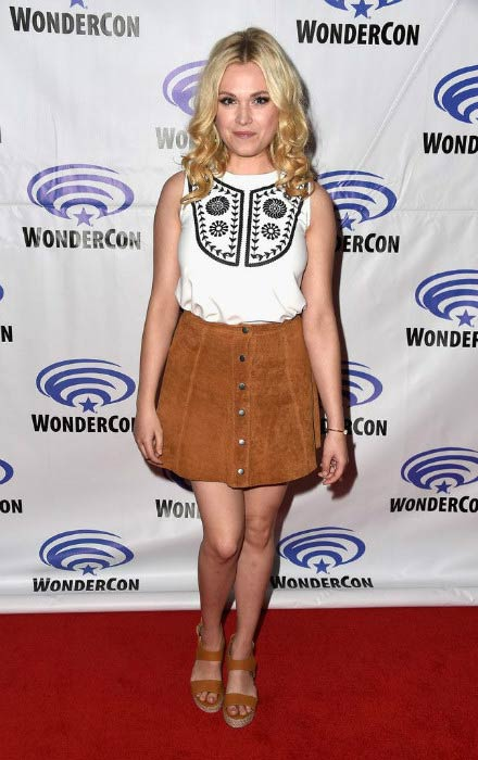 Eliza Taylor at The 100 panel at WonderCon in March 2016 in Los Angeles