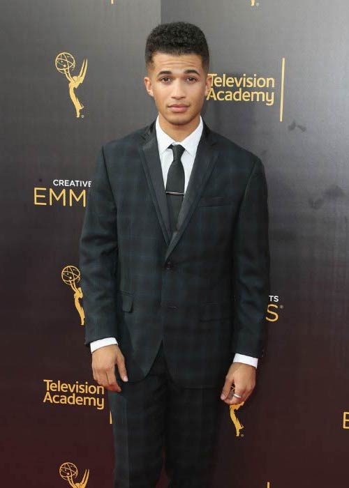 Jordan Fisher at the Creative Arts Emmy Awards in September 2016