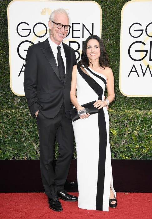 Julia Louis-Dreyfus and Brad Hall at the 2017 Golden Globe Awards