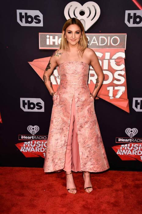 Julia Michaels at the 2017 iHeartRadio Music Awards