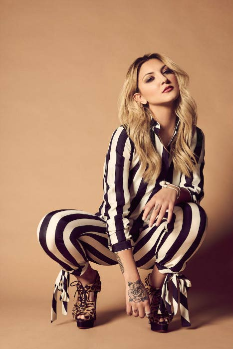 Julia Michaels poses for a photoshoot in 2016