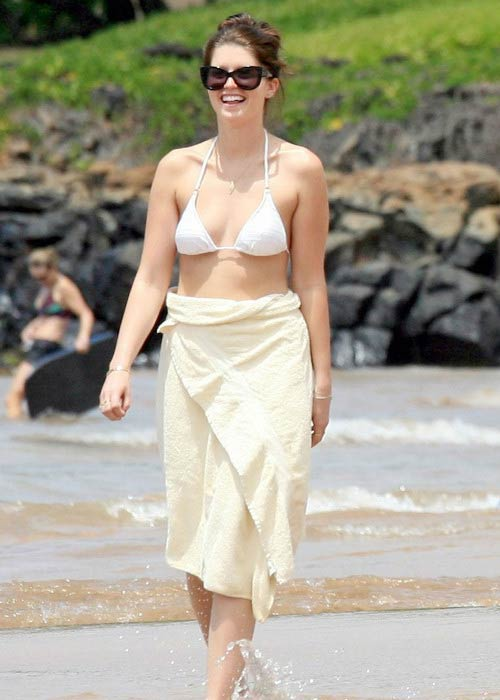 Katherine Schwarzenegger on the Maui Beach in April 2012