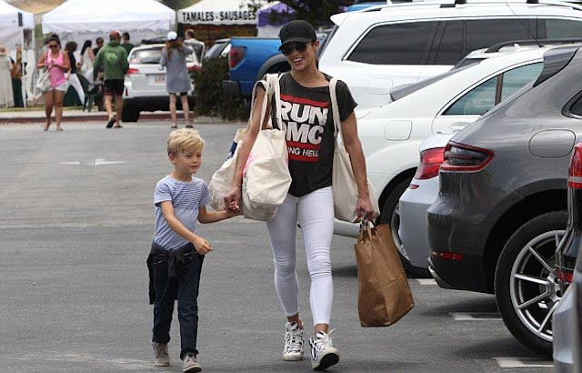 Paula Patton with her son Julian while out for shopping