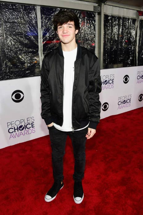 Aaron Carpenter at the People's Choice Awards in January 2016