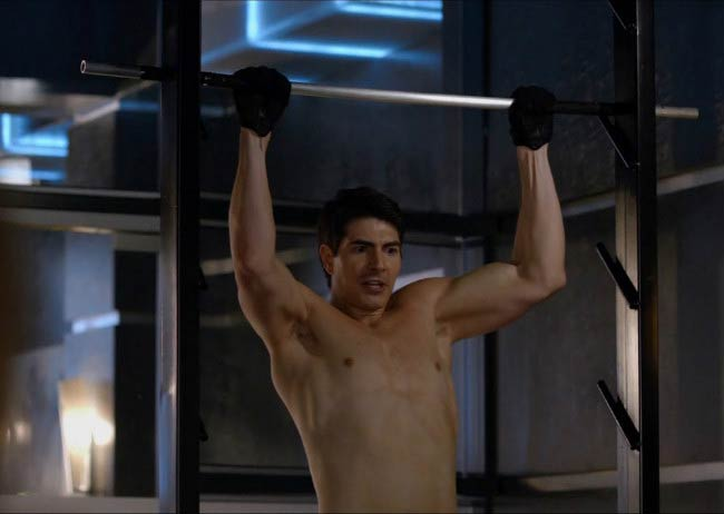 Brandon Routh shirtless in a still from the third season of Arrow