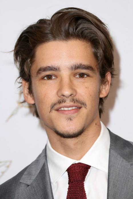 brenton thwaites height weight body statistics