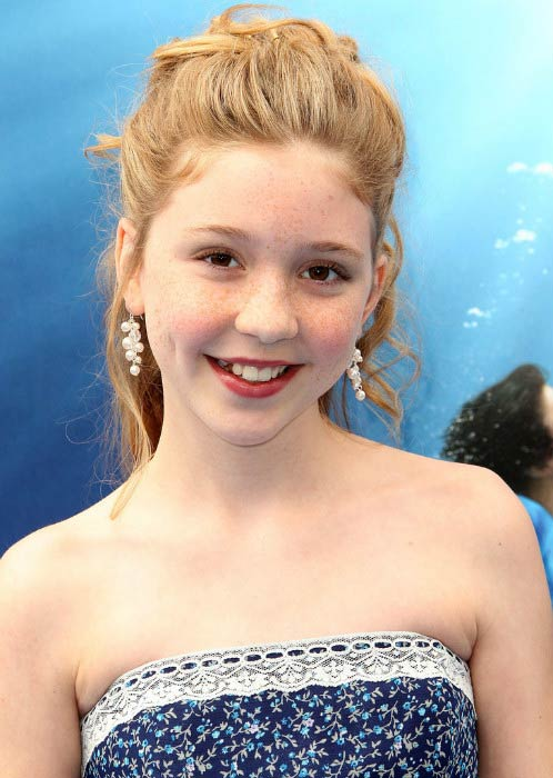 Cozi Zuehlsdorff at the premiere of Warner Brothers Pictures' Dolphin Tale in September 2011