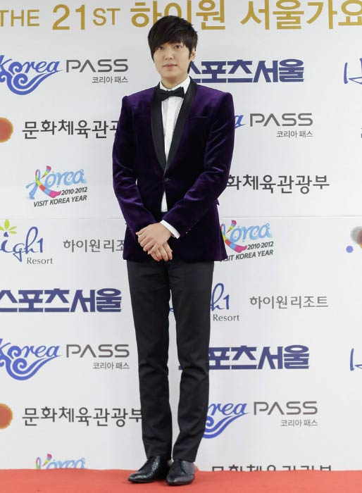 Lee Min-ho at the 21st High1 Seoul Music Awards in January 2012