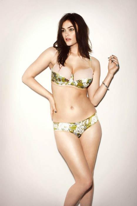 Myla Dalbesio Height Weight Body Statistics