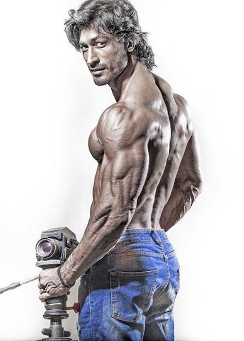 Vidyut Jammwal photoshoot for Health & Nutrition magazine in April 2017