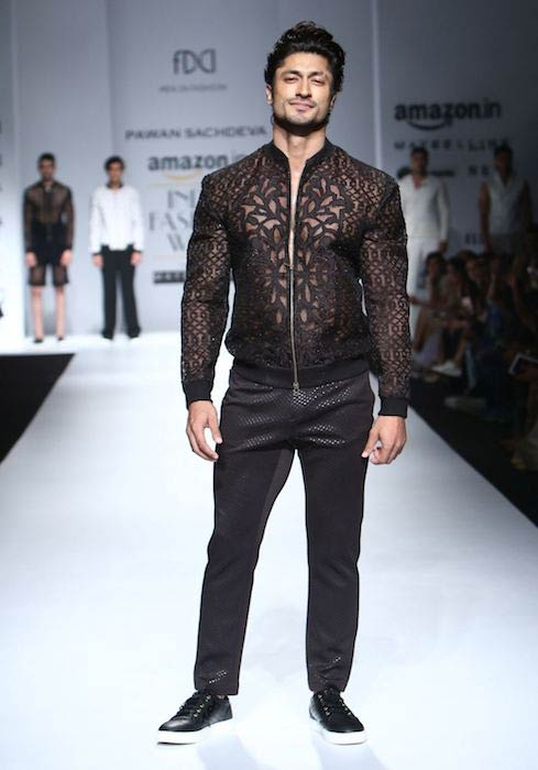Vidyut Jammwal as a showstopper for designer, Pawan Sachdeva during Amazon India Fashion Week in October 2016