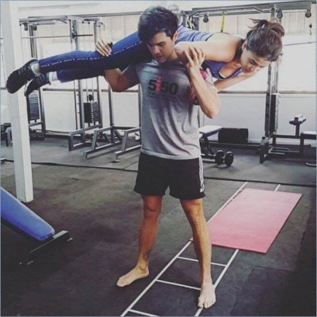 Erwan Heussaff working out using his girlfriend Anne Curtis as weight
