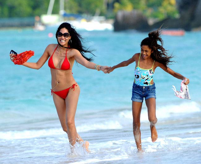 Kimora Lee Simmons during a vacation in St. Bart's with her daughter in December 2012