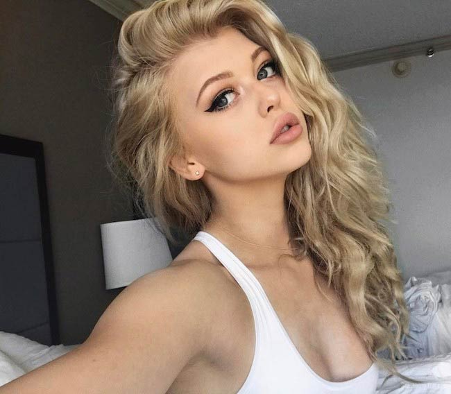 Loren Gray Beech's Instagram selfie posted in April 2017