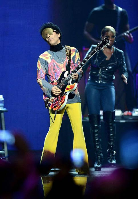 Prince performing at the iHeartRadio Music Festival in September 2012