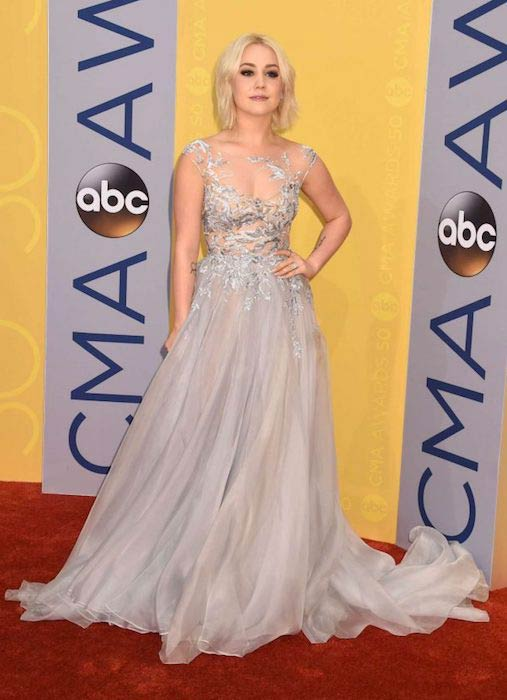 RaeLynn at 2016 CMA Awards
