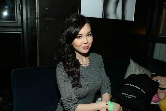 Anna Maria Perez de Tagle at the BETCHES x JUSTFAB Event in November 2016