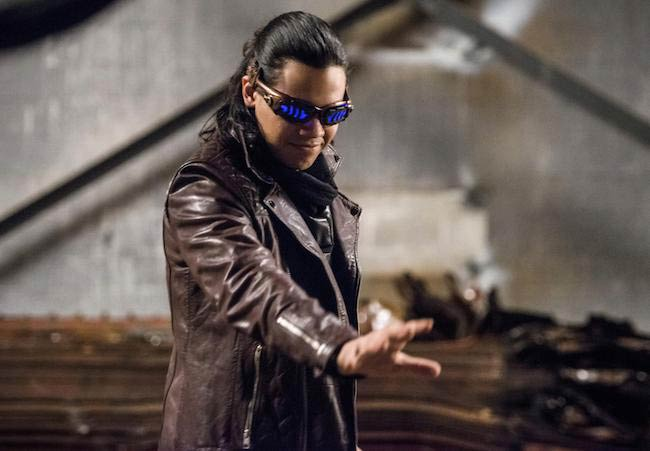 Carlos Valdes as Vibe in a still from season 2 of The Flash aired in 2015-2016