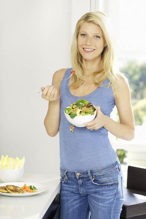 Gwyneth Paltrow eating salad