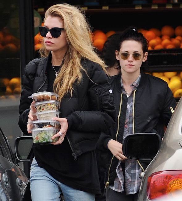Kristen Stewart and Stella Maxwell shopping